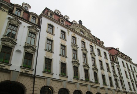 Städtisches Kaufhaus nach Plänen von Hugo Licht
