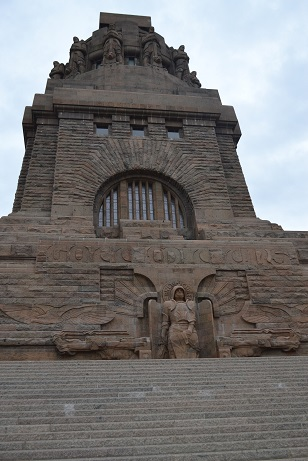Völkerschlachtdenkmal mit Erzengel Michael