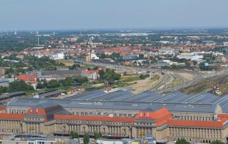 Leipziger Hauptbahnhof mit Ost- und Westhalle